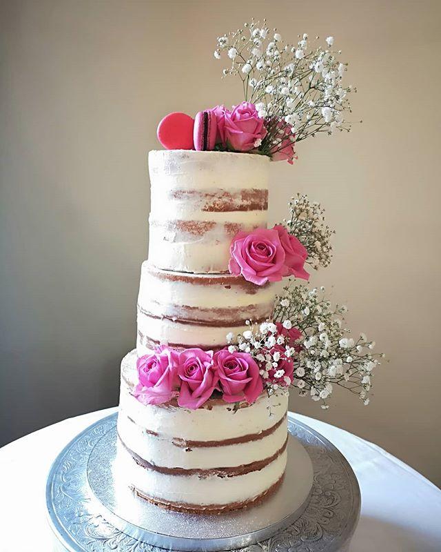#throwback _#nakedweddingcake _#raspberr