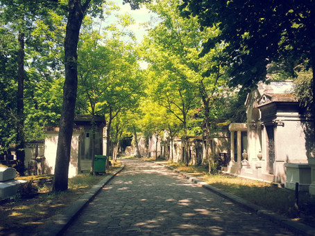 The City of the Dead in the City of Lights