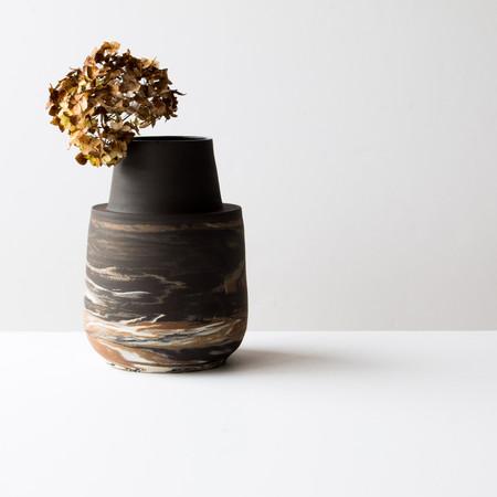 Vase col cheminée foncé