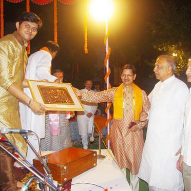 Kashi Sangeet Utsav - Felicitation.jpg