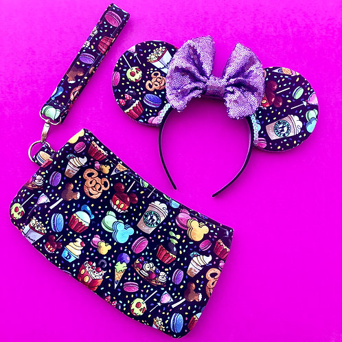 CUSTOM Made Wristlet (PLEASE MESSAGE ME PRIOR TO PURCHASING)