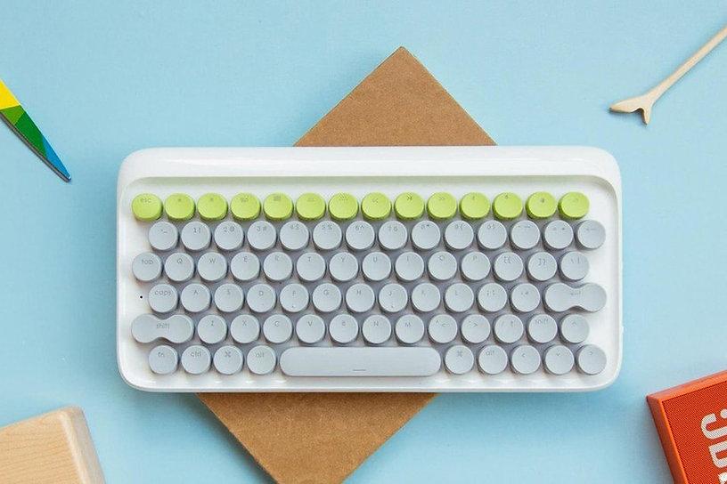 lofree-keyboard-typewriter-1-min.jpg