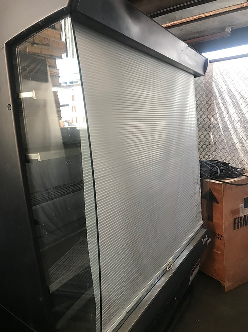 118-0022 Turbo Air 5'Self Contained Merchandiser with Air Curtain