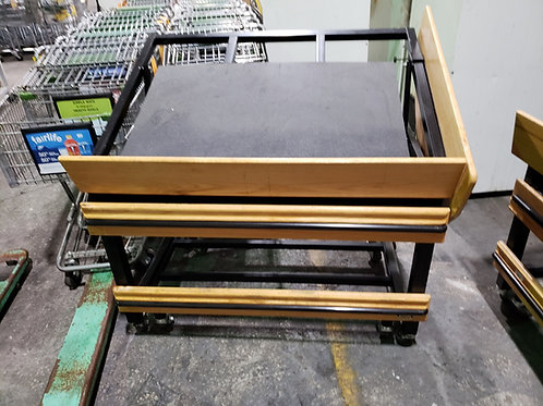 2-0059 Produce Table with Divider