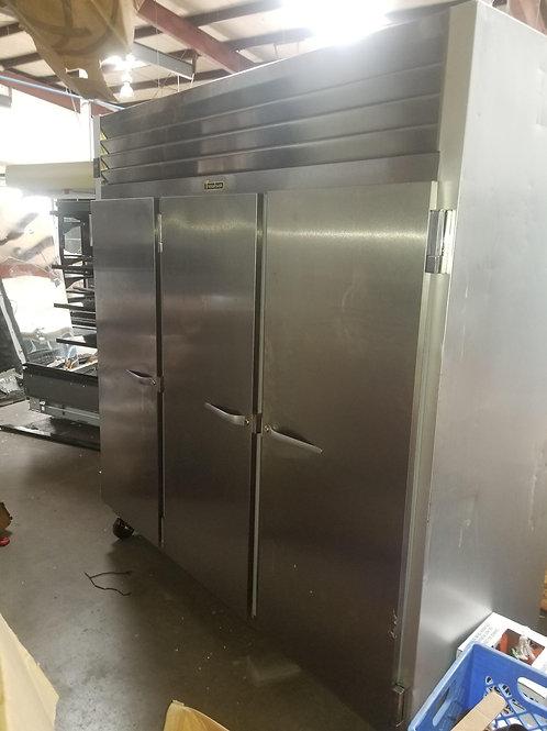 129-0031 Traulsen 3 Door Self Contained Freezer