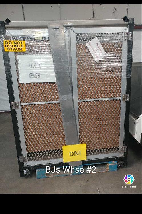 1-0121 Locking Storage Cabinets