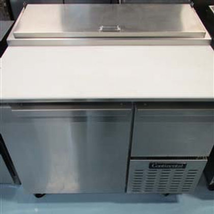 15-0069 Continental Refrigerated Counter Pizza Prep Table
