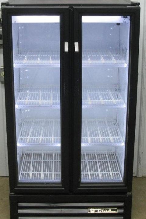142-0040 True GDM-30-LD Glass 2 Door Cooler