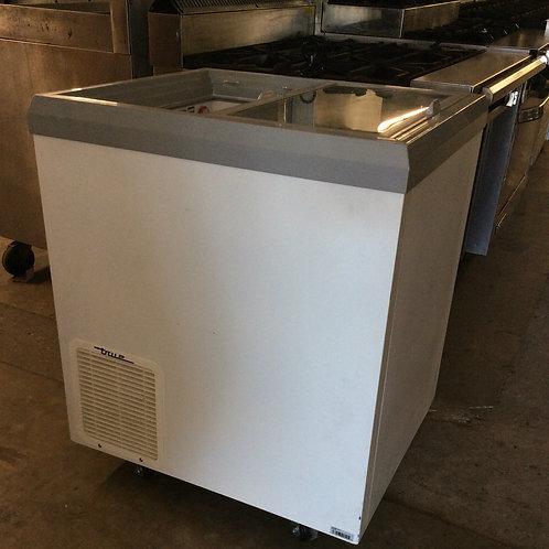 75-0002 True TFM-29FL Small Mobile Freezer