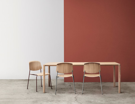 pause--slender-table---low-res_320849513