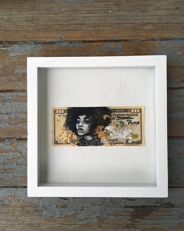 """""""Davis Dollar"""""""