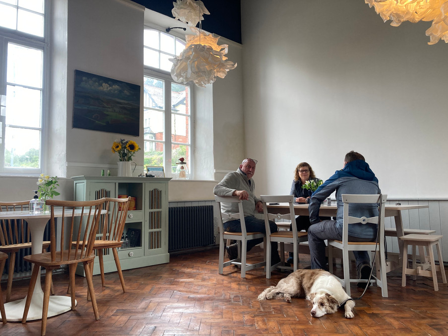 Dog friendly places to eat and drink