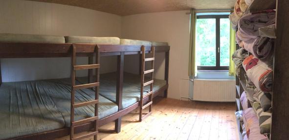 Soba 2-  skupna ležišča za 12 oseb