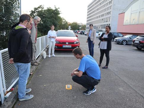 SPD besichtigt Parksensoren-Pilotprojekt am Bahnhof Eschborn Süd