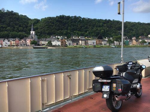 Sur le Rhin 2.jpg