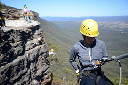 Abseiling-6_1-991x662