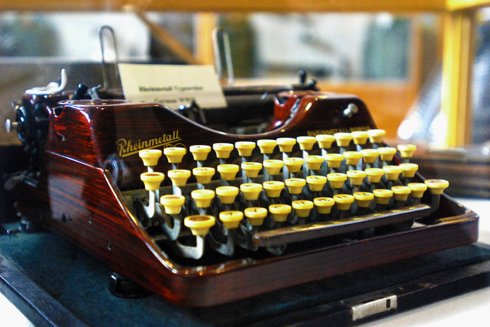 Rheinmetall-Typewriter-2000x1338.jpg