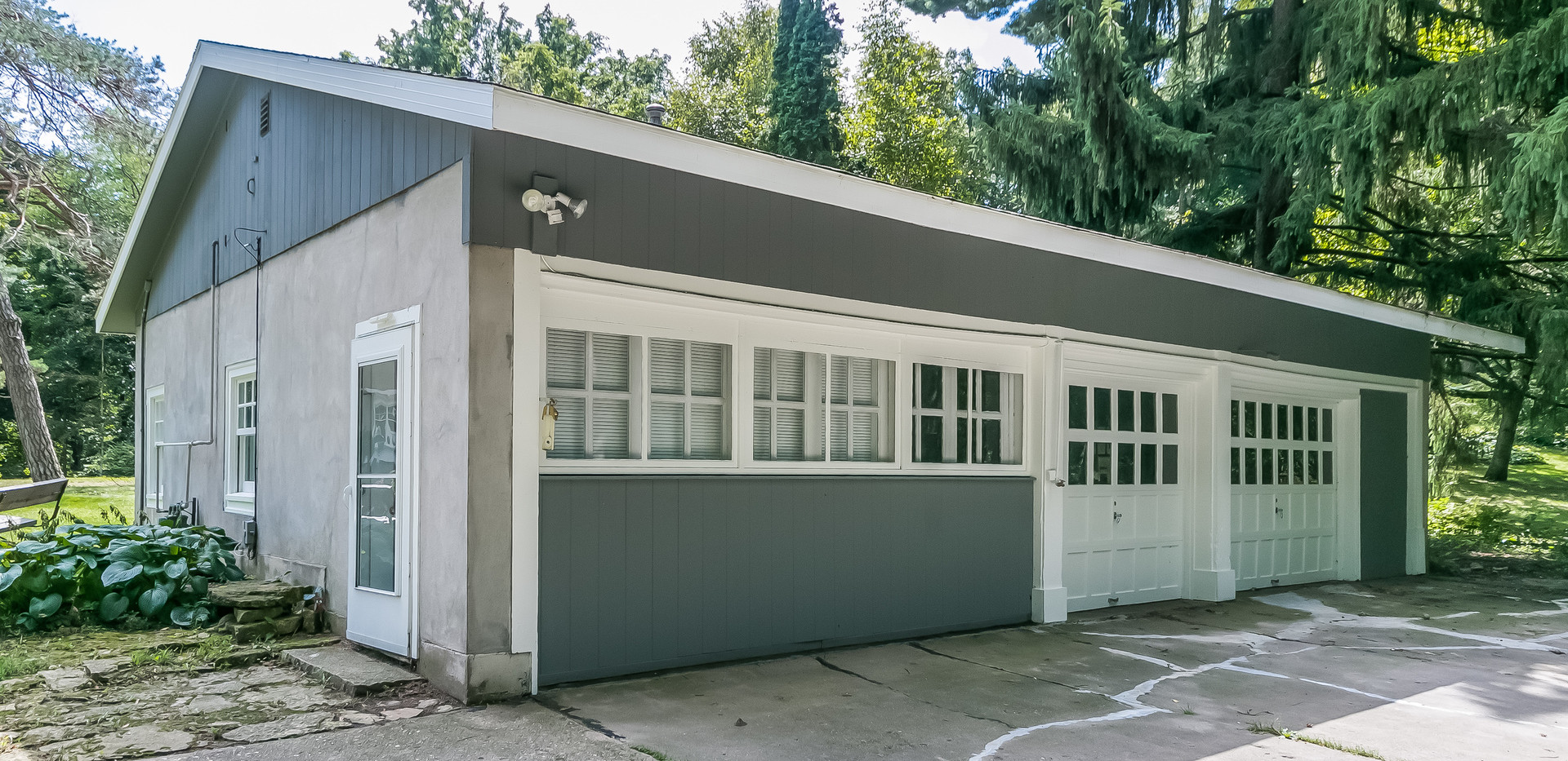 Cottage & Dettached Garage