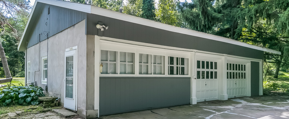 2 car detached garage with one bedroom apartment