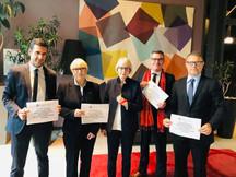 Remise de la pétition pour le rétablissement du principe d'égalité devant l'impôt (CSG-CRDS hors Europe) en présence de Claudine Lepage, Sénatrice des Français établis hors de France et Présidente de Français du Monde-adfe
