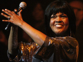 """CeCe Winans Releases """"Hey Devil! feat. The Clark Sisters"""" From First Album In 9 Years """"Let Them Fall"""
