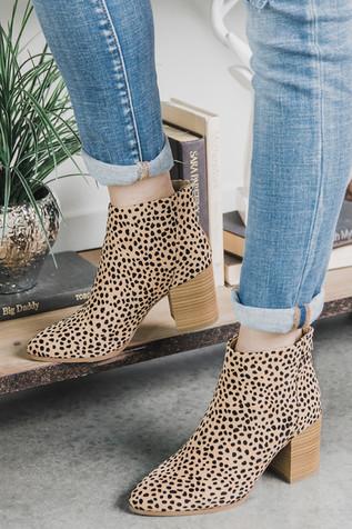 power_stance_cheetah_booties_cheetahprin