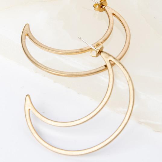 man_in_the_moon_earrings_gold_5.jpg