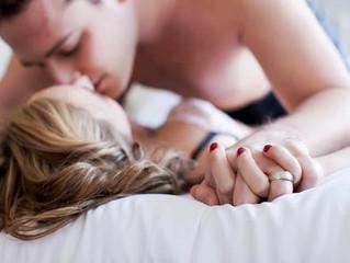 Só para os homens: descubra tudo que a mulher adora escutar na hora do sexo