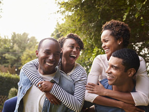 4 Ways a Couple Can Maintain Friendships With Other Couples