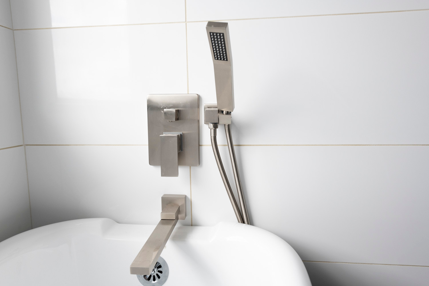 Bathroom Tub Fixtures