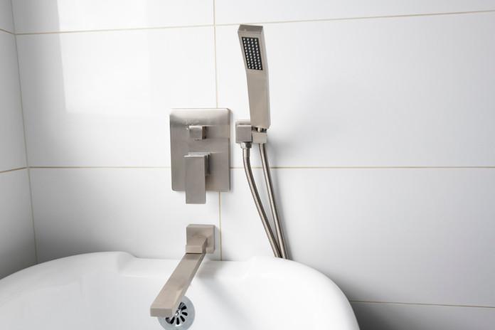 Bathroom Tub Fixtures