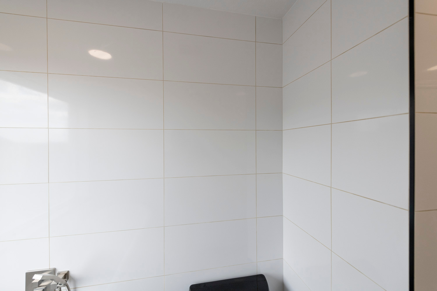 White Bathroom Wall Tile