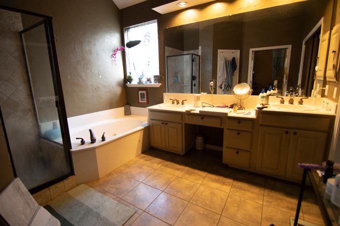 Bathroom Coppell Old.jpg