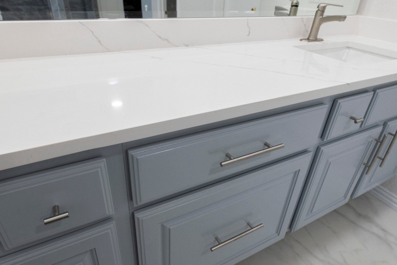 White Bathroom Quartz Countertop