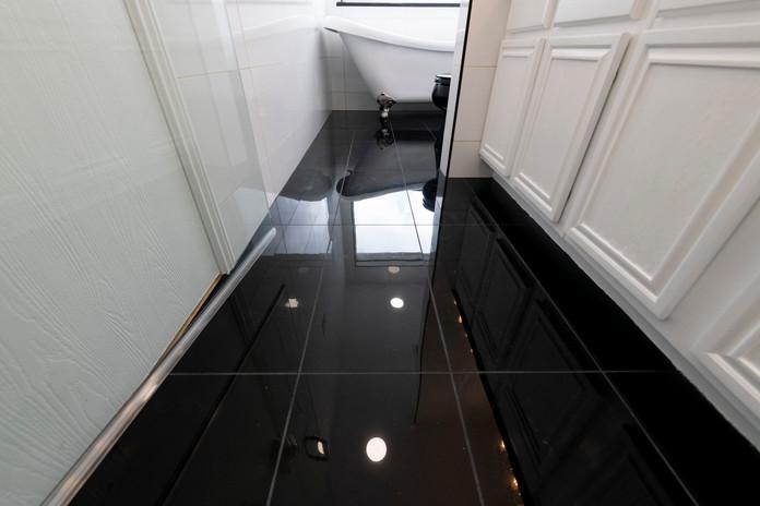 Black Bathroom Tile