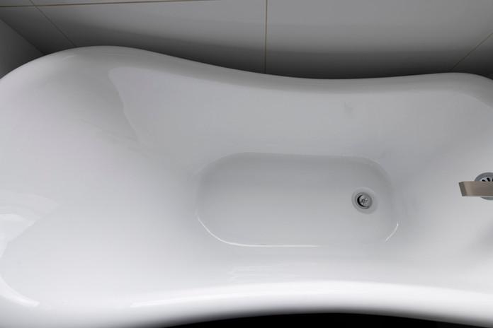 White Claw Tub Bathroom Remodel
