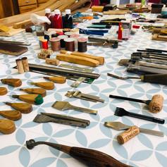 initiation aux outils et techniques de la maroquinerie