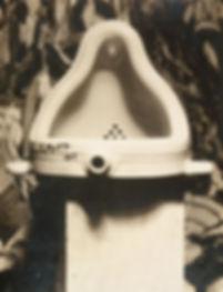 Marcel_Duchamp,_1917,_Fountain,_photogra