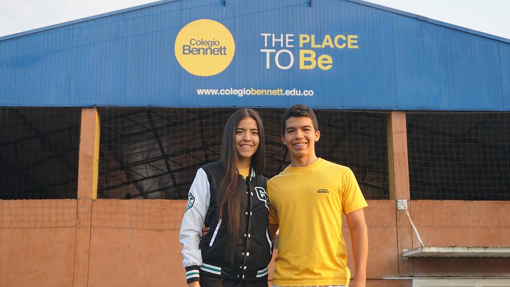 Andrea Navarro y Juan David Hernández, estudiantes becados