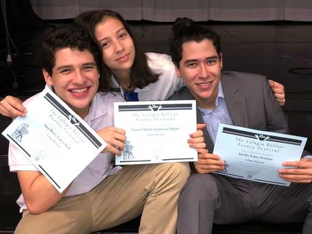 Bennett en el 46th Annual Colegio Bolivar Poetry Festival