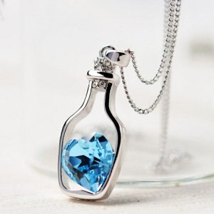 Pendant with crystal heart