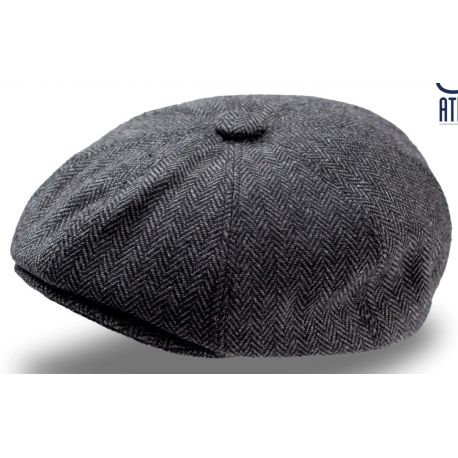 Gavroche style cap with buttons, in wool and polyester