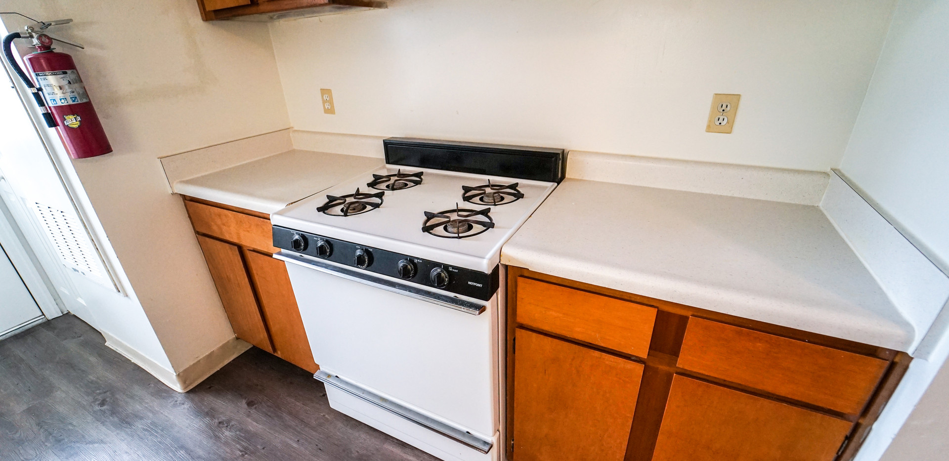 Albany Spring Unit Kitchen