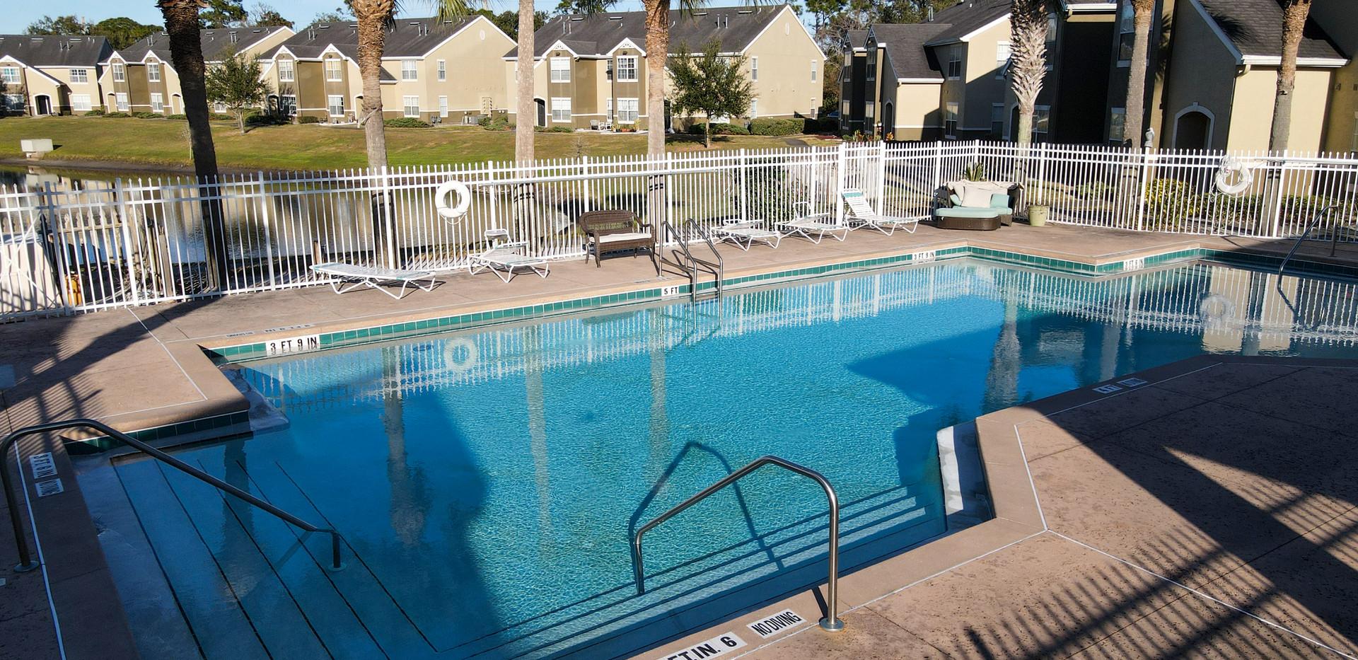 Hickory Pointe Senior Pool