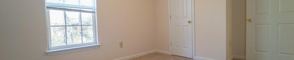 Unit Unfunrished Bedroom