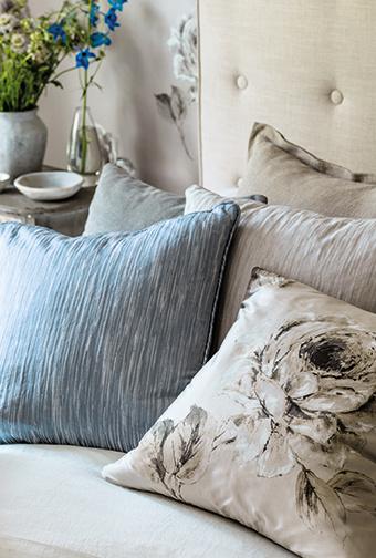 Rosa FB Cushion Detail