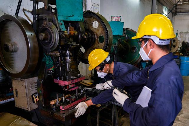 diagnóstico y reparación a maquinaria in