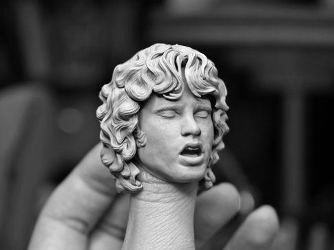 Singing sculpt