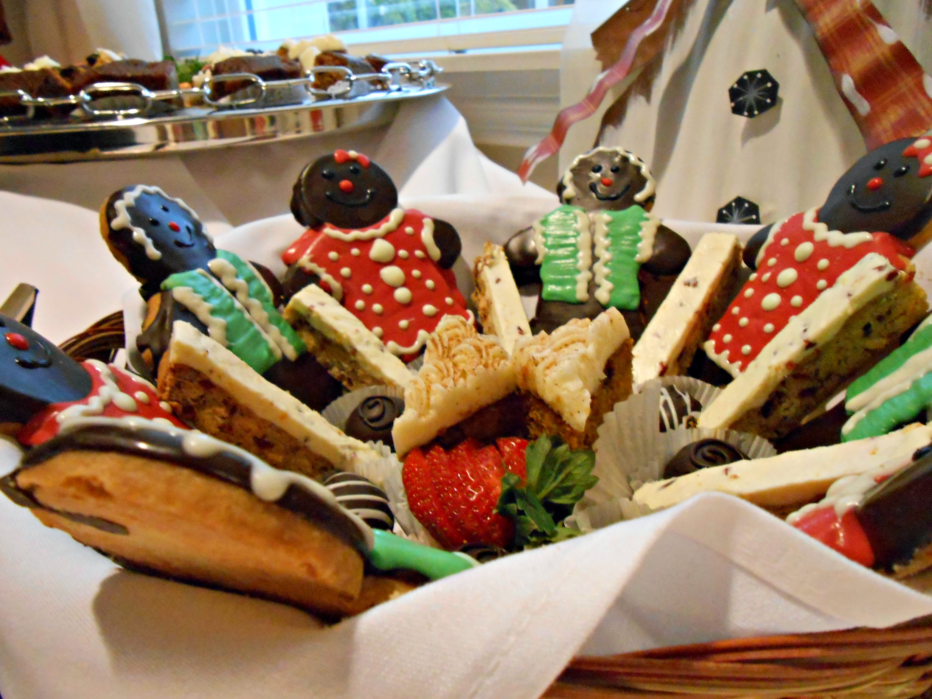 Gingerbread Cookie Holiday Basket