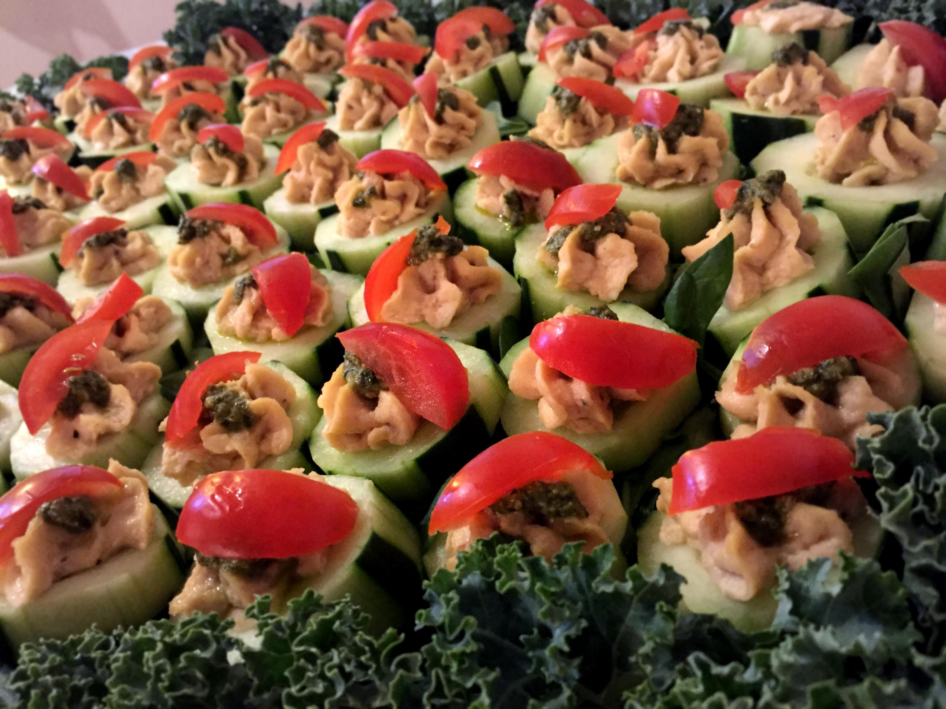 Garlic Hummus Cucumber Boats